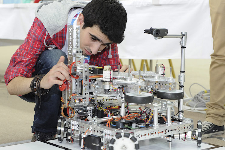 Advanced Robotics Challenge